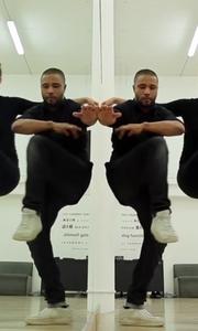 双人镜子前跳舞,好神奇的效果