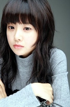 崔喜珠短发可爱照片