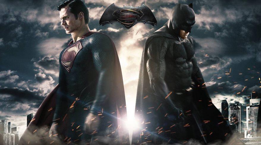 《蝙蝠侠大战超人:正义黎明》:DC光环下的他们