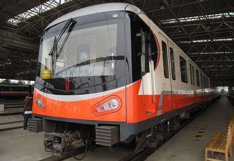 深圳地铁1号线增购新车在株下线 最大载客量超2400人