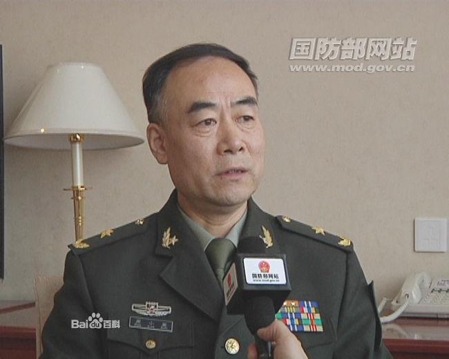 成都军区现役少将p02210102_2012年7月任成都军区参谋长. 2003年晋升少将军衔.