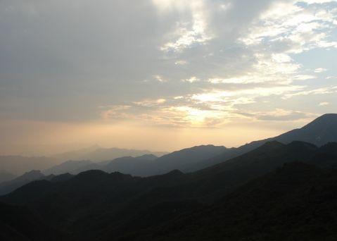 太阳山位于通山县厦铺镇,风景秀丽,旅游资源丰富.