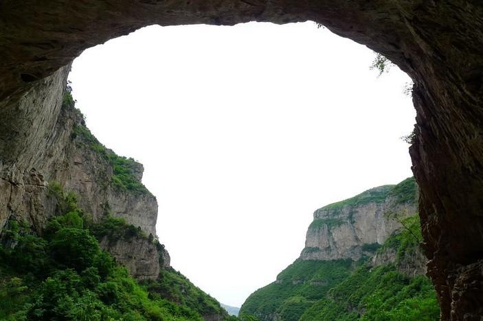云梦山风景区位于河北省邢台县冀家村乡石板房村北.