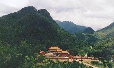 阳明山国家森林公园位于湖南,广西,广东三省区交界处,湘水之东,双牌